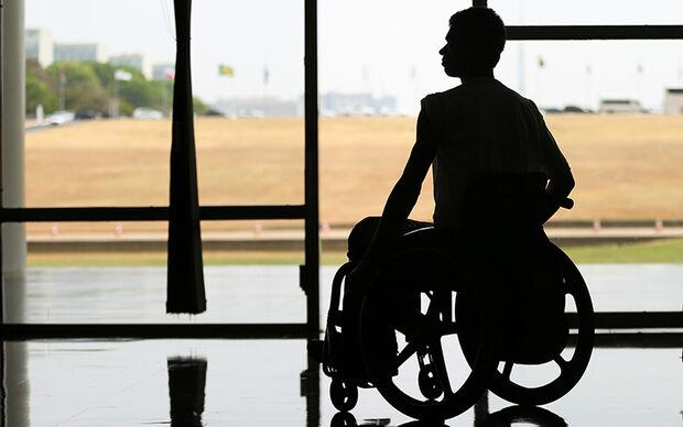 Deputado quer isenção de taxa de inscrição em concursos para portador de deficiência
