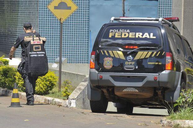 PF deflagra operação contra contrabando de cigarros