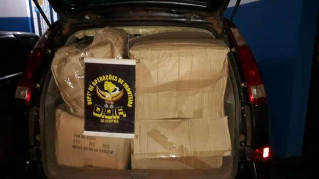 DOF apreende produtos contrabandeados em quatro carros