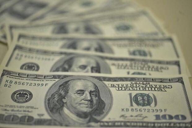 Dólar sobe 2,20% com aumento da tensão comercial entre Estados Unidos e China