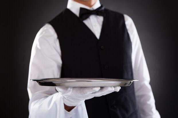 Funsat realiza seleção de auxiliares de cozinha e garçons sem experiência