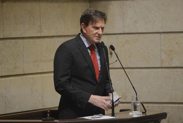 MP investiga demissão em massa para contratação de aliados de Crivella