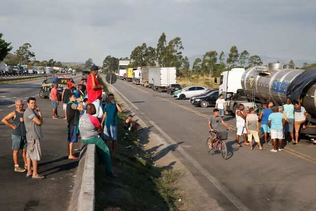 Setor de serviços tem queda em maio devido à greve dos caminhoneiros