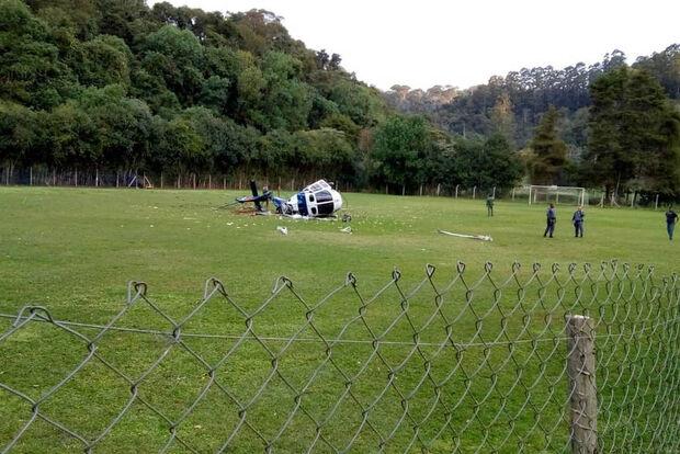 Vídeo: Governador sai ileso após queda de helicóptero