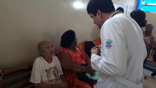 30 médicos são convocados para atender nas unidades de saúde da capital