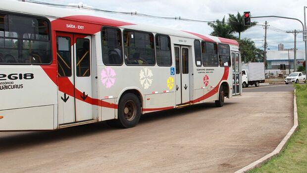 Mudança no itinerário de ônibus no centro é adiada para quinta-feira