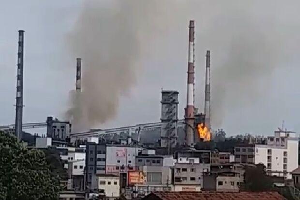 Gabinete de crise investiga explosão na Usiminas em Ipatinga