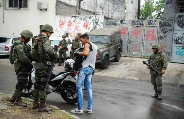 Forças Armadas fazem ação contra o tráfico no Rio