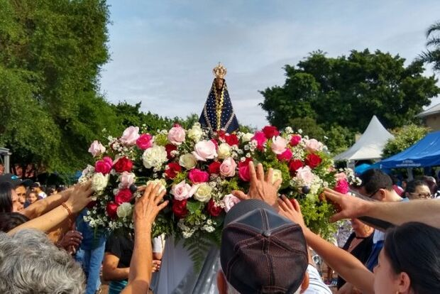 Romaria em celebração à Padroeira leva milhares ao Santuário de Vila São Pedro