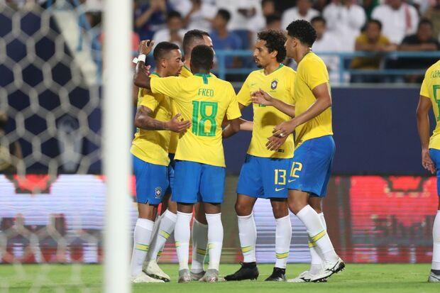 Brasil vence Arábia Saudita por 2 a 0