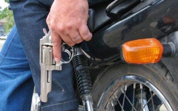 Mulher é roubada por dois motociclista no bairro Buriti