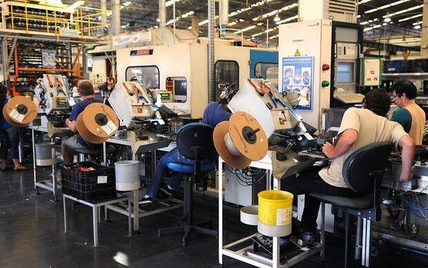 Produção industrial cresce em oito dos 15 locais pesquisados pelo IBGE