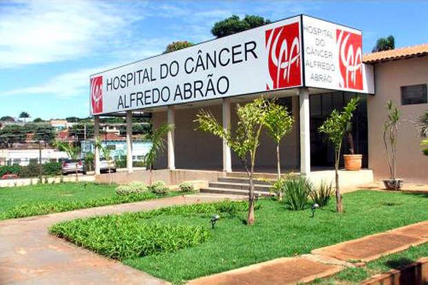 Médicos encerram greve no Hospital do Câncer
