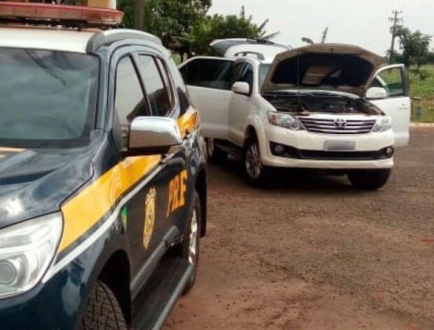 PRF recupera veículo roubado no Paraná