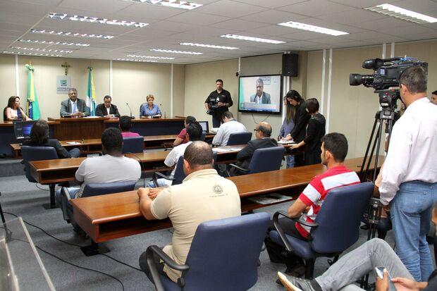 Comissão toma posse e discute desafio da moradia em MS