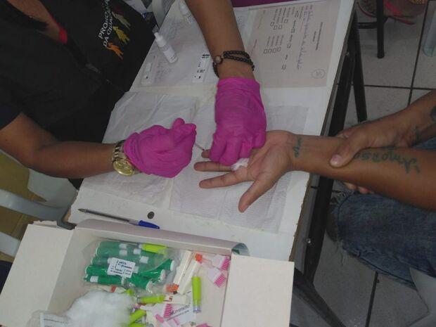 Agepen realiza testes para detecção de doenças infectocontagiosas