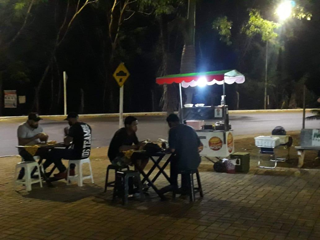 Madonna hot dog fica na Rua Luis Coutinho 295 e funciona das 18h às 21h